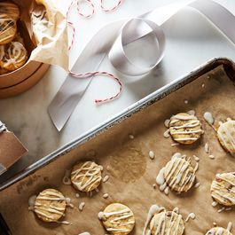 Figgy Pudding Butter Cookies by Hazel