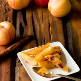 Paleo-Friendly Baked Apples