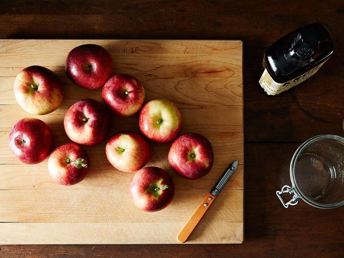 A Super-Simple Trick for Fresh Apple Juice (No Machine Needed!)