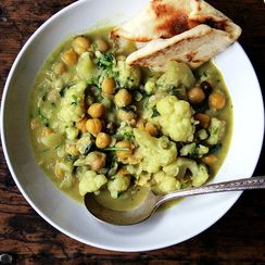 Curried Chickpeas with Cauliflower and Coconut Milk