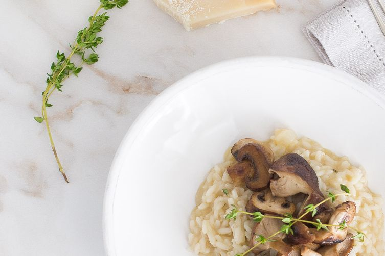 Mushroom risotto with thyme