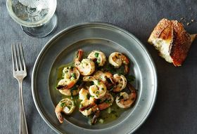 81da1f3f 5e7b 4a92 aa9f a7387637f876  2014 0610 jenny sauteed shrimp lemon garlic parsley bubbles 011