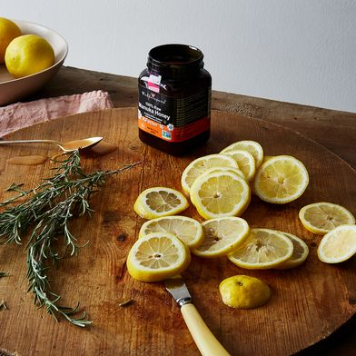 A Good-for-Your-Gut, Vinegar-Honey Tonic To Make With Your Favorite Fruit