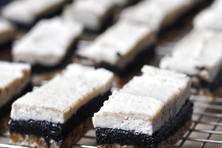 "Vanilla & Black Sesame Raw Cashew ""Cheesecake"" Bars"