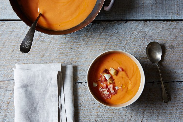 Salmorejo (Cold Spanish Tomato Soup with Serrano Ham)