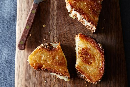 Our 11 Best Grilled Cheeses Because 'Jane the Virgin' Is Back