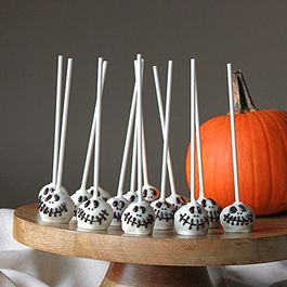 Skeleton Cake Pops