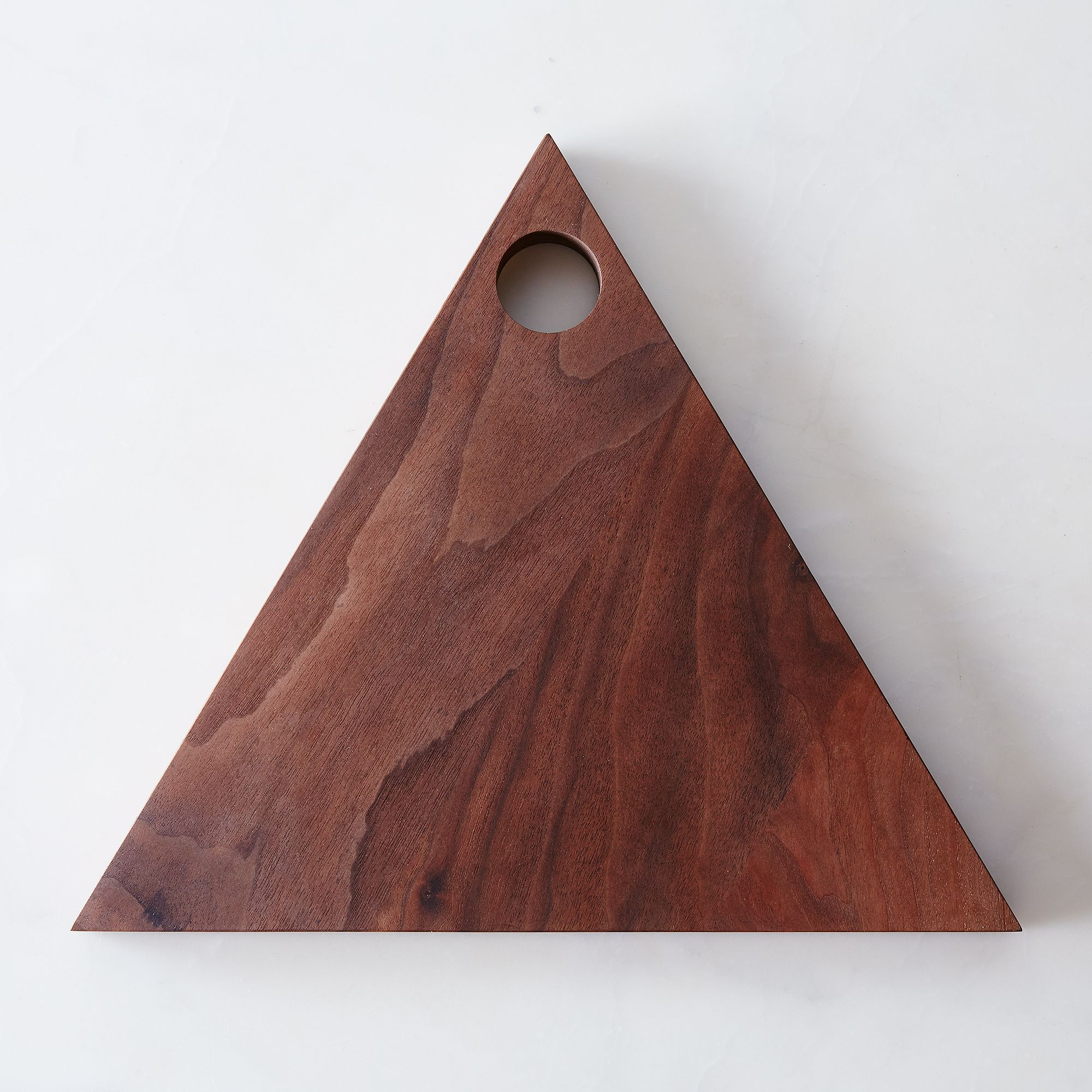 2ae2fb80 a0f8 11e5 a190 0ef7535729df  2015 0422 caravan pacific triangular wooden cutting board walnut silo 016