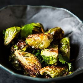 77658933 19bf 40cd aaa3 a7e238075487  19682 momofukus roasted brussels sprouts with fish sauce vinaigrette