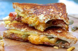 Cd50703c 3e51 41a8 982a 7ba2949a599a  grilled cheese sandwich1