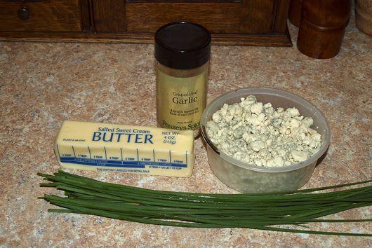Gorgonzola chive garlic butter
