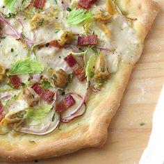 New England Clam Chowda Pizza