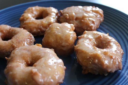 Cinnamon Vanilla Cake Doughnuts