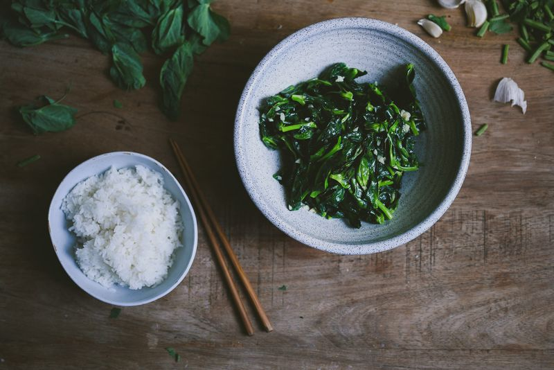 Garlicky Stir-Fried Pea Shoots (Da Dou Miao)
