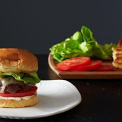 10 Ways to Sandwich Your Burger