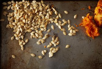 How to Roast Pumpkin Seeds for a Crunchy-Salty Snack