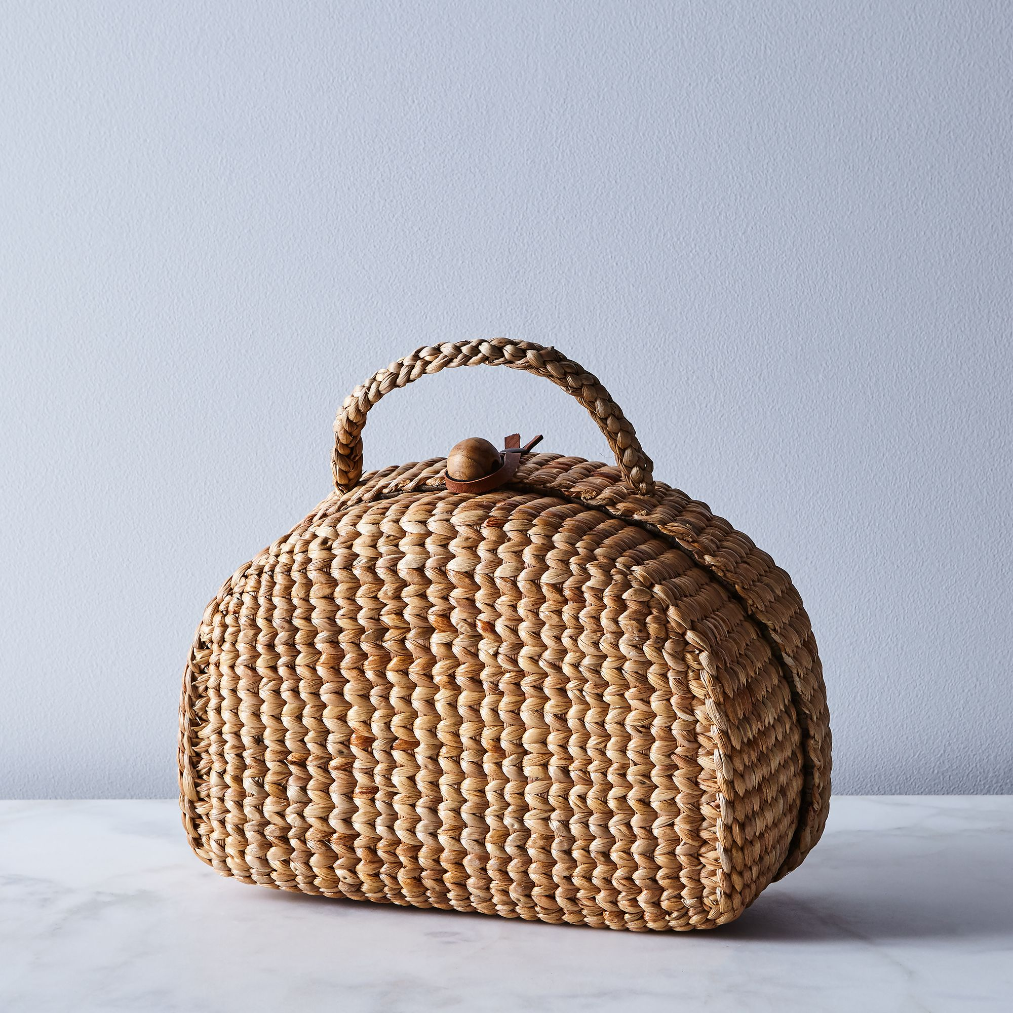 27e25073 4f0a 4379 96f0 e2be74ba6947  2017 1114 see and grass handwoven picnic tote small silo rocky luten 007