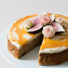SPICED ALMOND AND FIG CAKE