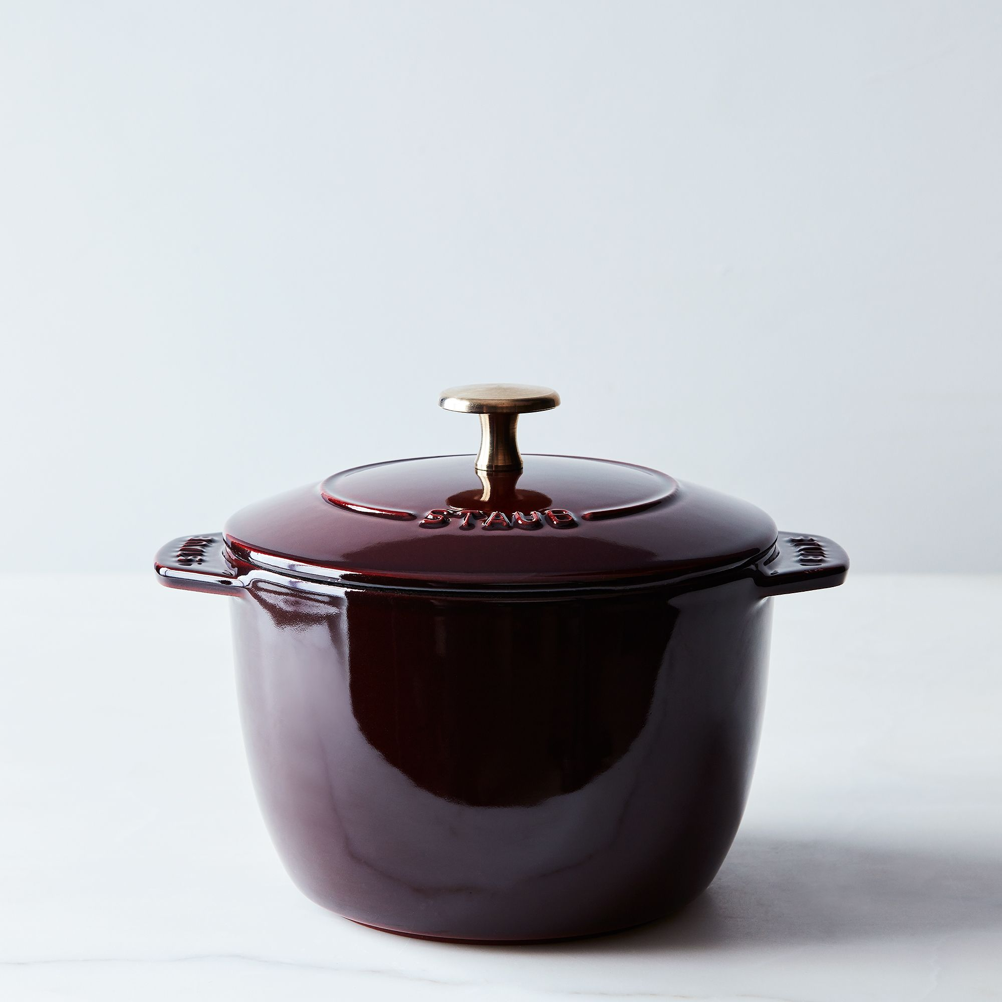 Food52 X Staub Petite French Oven Stovetop Rice Cooker, 1.5qt Grenadine & Brass