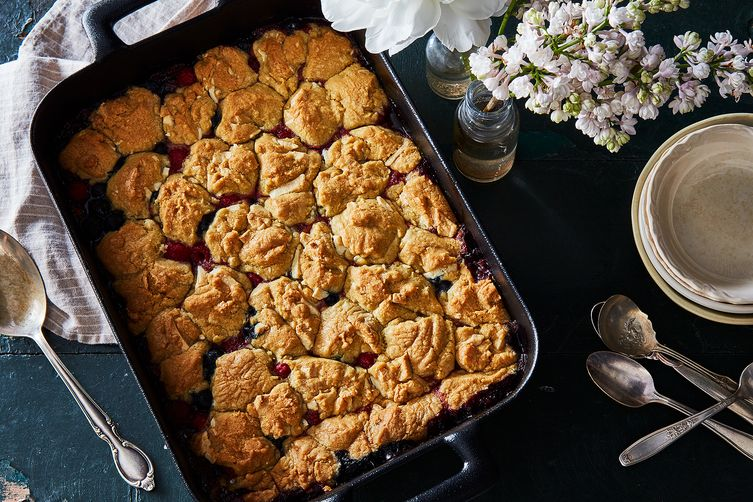 Roasted Berry Mint Cookie-Cobbler