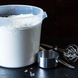 How to Measure Flour