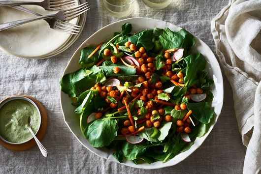Buffalo Chickpea Salad With Vegan Ranch