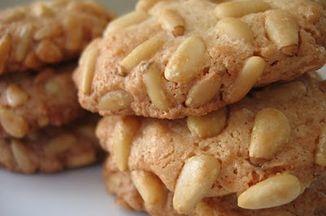 8a9c9ef2 4a38 4f4c 806e 5c30a15f71c8  pignoli cookies 3 piles close