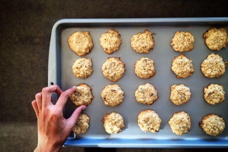 Oatmeal & Raisin Atta Cookies