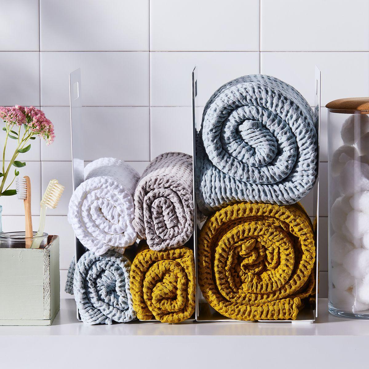 Towel Storage For Small Bathrooms 4 Towel Display Ideas