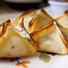 Pepperoni Pizza Wontons