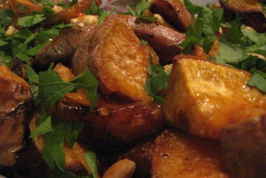 Roasted Sweet Potato Salad w/ Chili sauce, parsley and cashew nuts