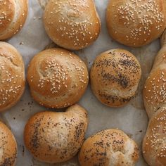 Shabat Bread Rolls and Mini Chalas