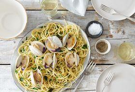 511aea5c b8fd 4947 9558 b0f5adbb0475  2016 0331 spaghetti with clams parsley garlic and lemon alpha smoot 125