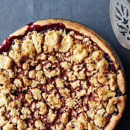 Heda's Mostly Blackberry Pie with Hazelnut Crumb Crust