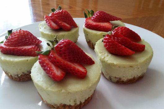 Avocado Lime Cheesecake Cupcakes