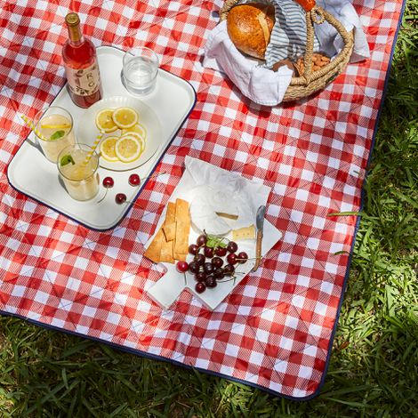 Outdoor Zip-Up Picnic Blanket Tote
