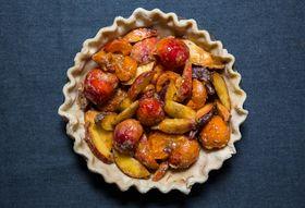 4f355d9f f5e8 49fd 9dba 1aad683ef83c  apricot and peach pie yossy arefi 3