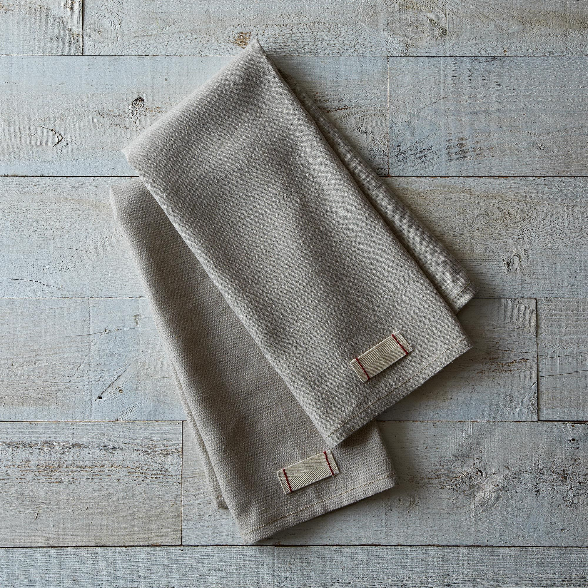 B2d65d10-5217-4901-bf9b-e7abe55f7bab--2013-0930_icemilk-aprons_heirloomed-linen-tea-towels_set-of-2-021