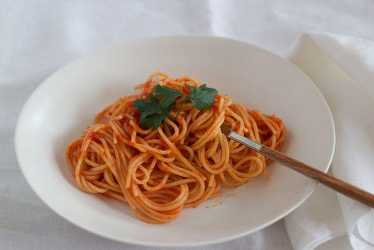 Past with Tomato Sauce - (Pasta con Pomodoro)