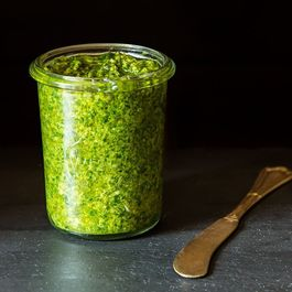 Simple Vegan Pesto