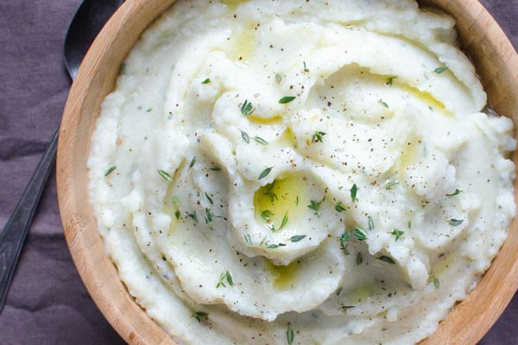 Mashed Cauliflower with Roasted Garlic