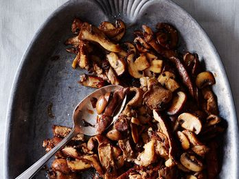 The Genius Secret Ingredient Your Sautéed Mushrooms Are Missing