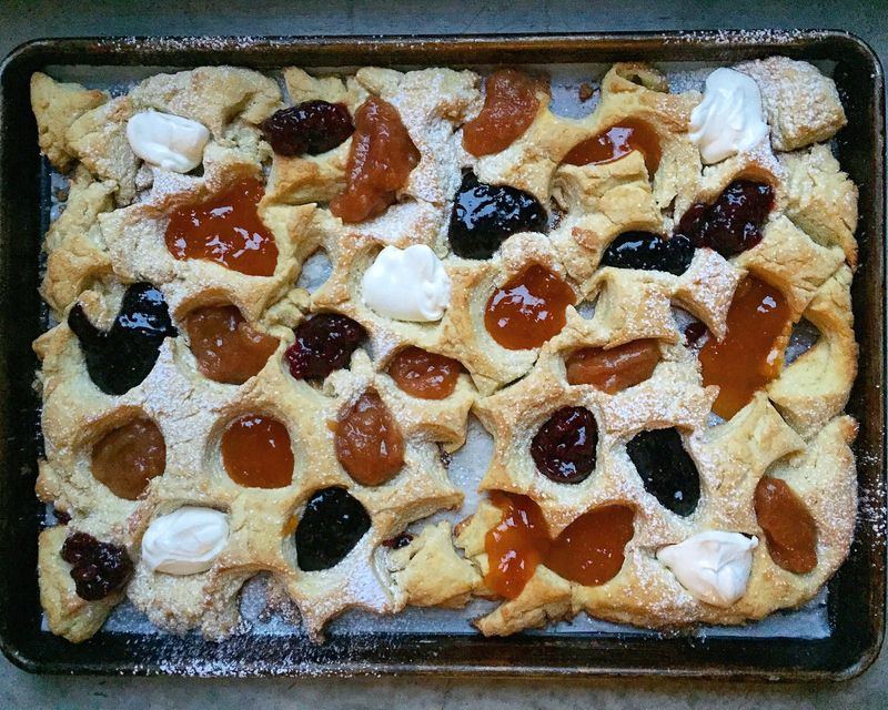 Some biscuit scraps magic; see below for how to make this beauty.