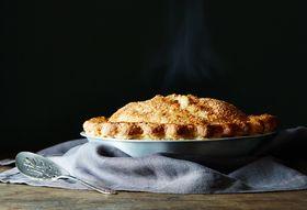 C976efdb 95d5 4d41 8687 7ddf4bda55ed  pie week apple cider caramel pie food52 mark weinberg 14 11 07 1265