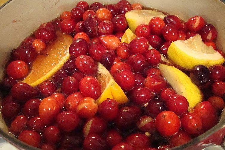 Red Pepper-Red Wine Cranberry Sauce