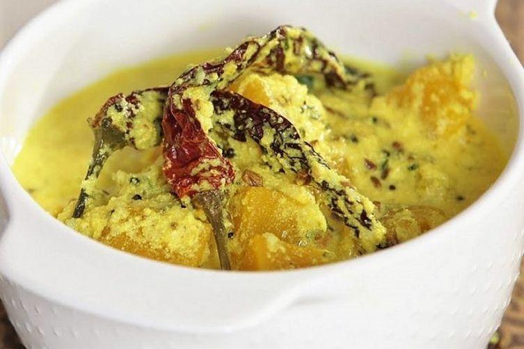 Mor Kuzhambu Recipe: South Indian Yoghurt Curry