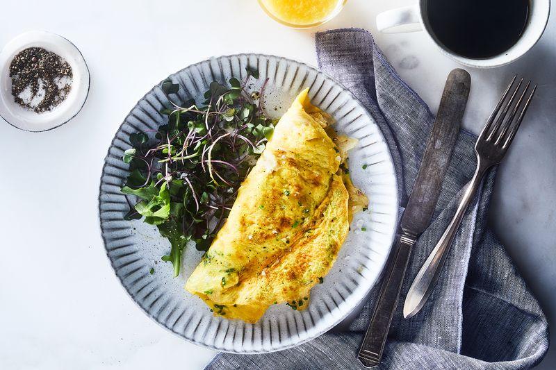 Potato chip omelette! C'est magnifique!