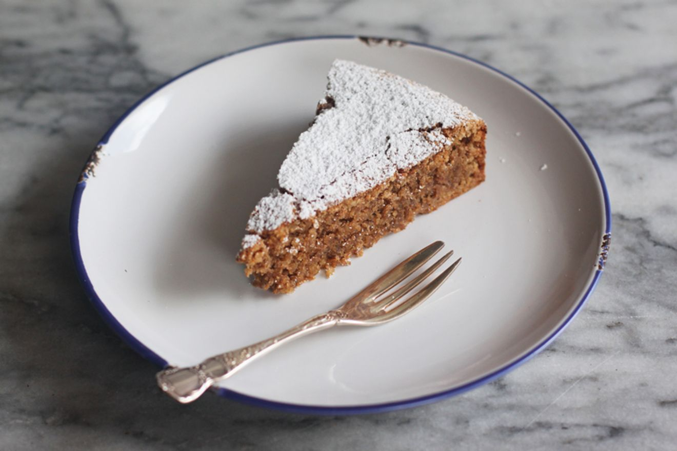 calabrian walnut cake