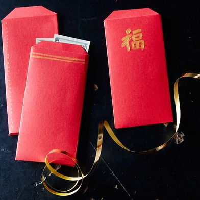 How to Make Your Own Lucky Red Envelopes for Chinese New Year