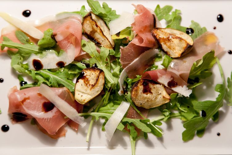 Grilled Pears with Arugula, Prosciutto and Balsamic Reduction